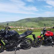 Yamaha MT03 + Moto Guzzi V7-Zlín