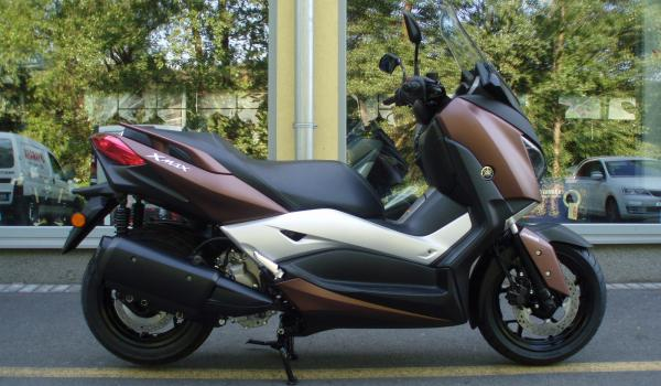 Skútr Yamaha Xmax 300 Zlín