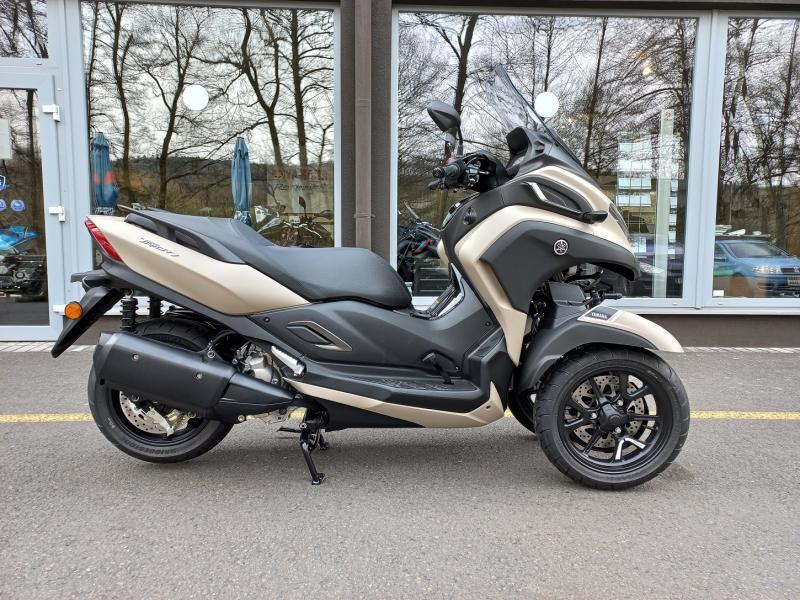 Yamaha Zlín Tricity 300